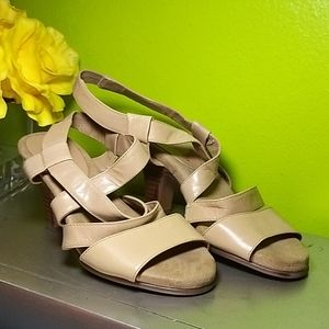"Aerosoles Beige Leather Sandals 2"" heels"